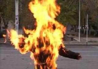Поссорившись с женой, херсонец облил себя бензином и поджег