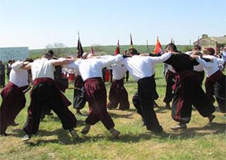 На Херсонщині: два козаки – три гетьмани?