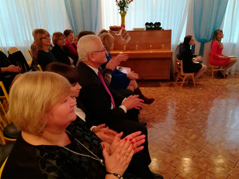 Співаковський:  Інвестиція в освітні заклади - це інвестиція в майбутнє України