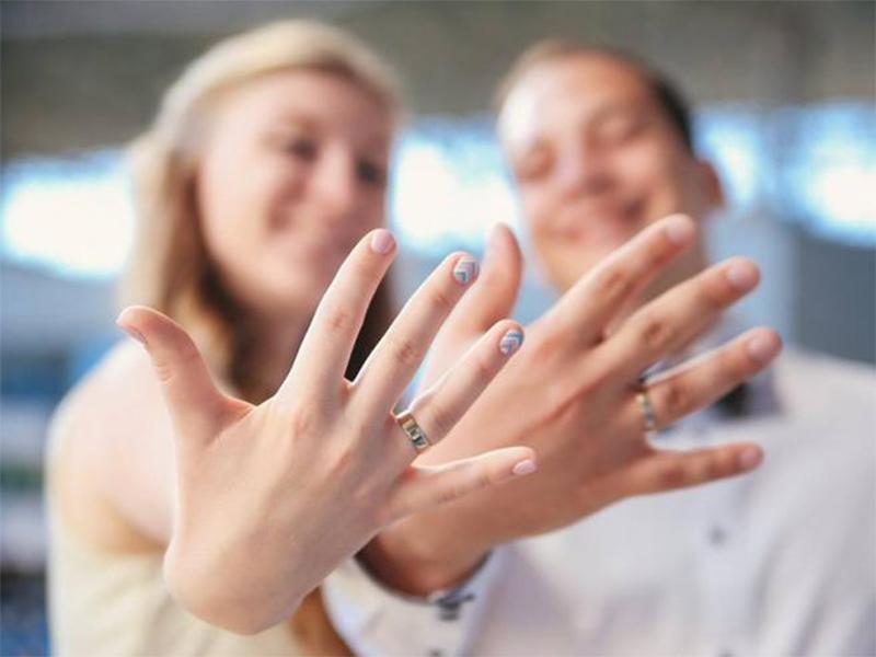 В Херсоне 645 пар воспользовались услугой «брак за сутки»