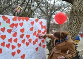 В Херсоне разыграли романтические подарки