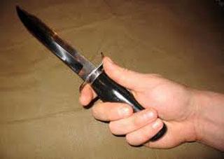 На Херсонщине женщины все чаще используют нож для самозащиты