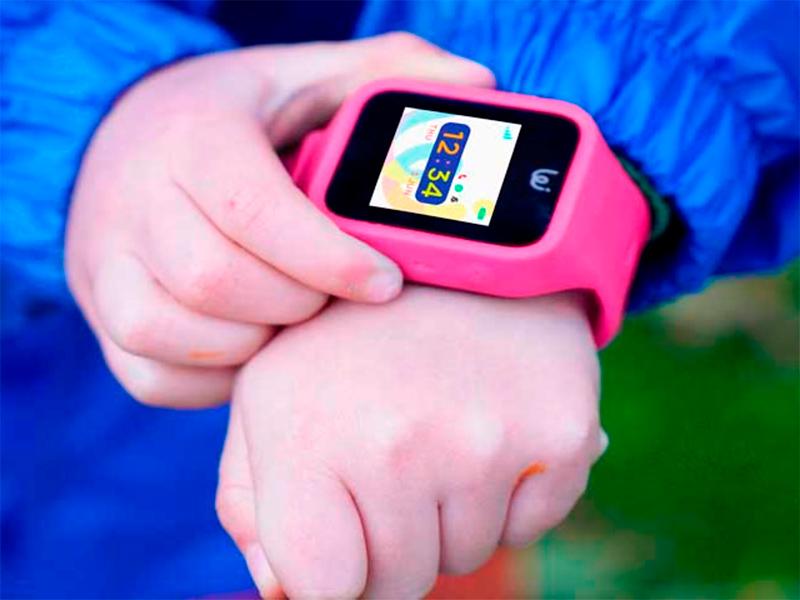 Опасные шпионы: почему запрещают детские смарт-часы