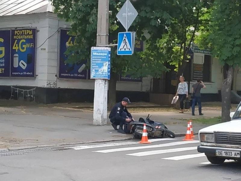 В Новой Каховке в ДТП погибла женщина на мопеде