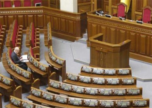 Для того, чтобы коалиция соблюдала принципы демократии, надо чтобы Европа давала им не только министров, но и депутатов