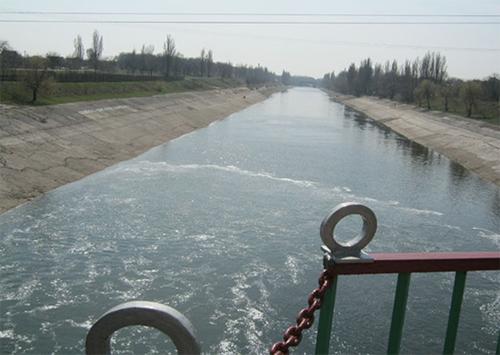 На Северо-Крымском канале устал даже металл