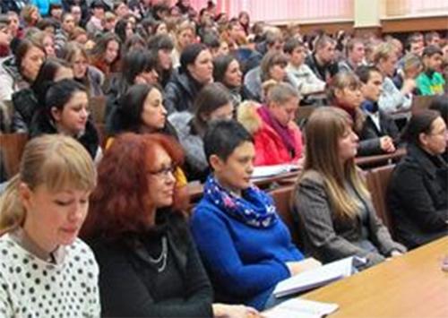 Випускники ХДУ обговорювали питання майбутнього працевлаштування