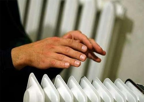Десятки житлових багатоповерхівок у Херсоні знеструмлені й без тепла