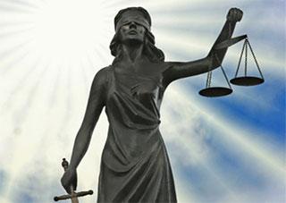 Мнение херсонца: «Принят закон, позволяющий плевать на все другие законы…»