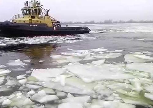 У пониззі Дніпра почалася льодова кампанія