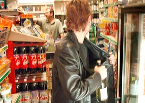 В Херсоне неизвестный совершил кражу продуктов из супермаркета на сумму 1500 грн