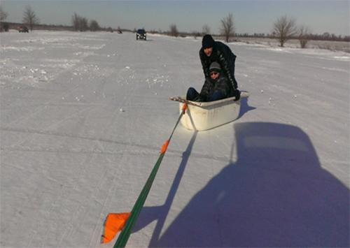 Малолетние каскадеры в снегу дают жару на Херсонщине