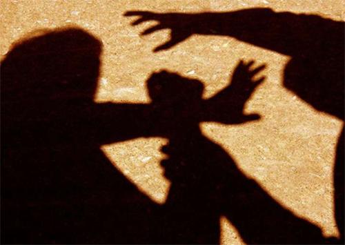 Нападение на жену старшего офицера полиции в Херсоне