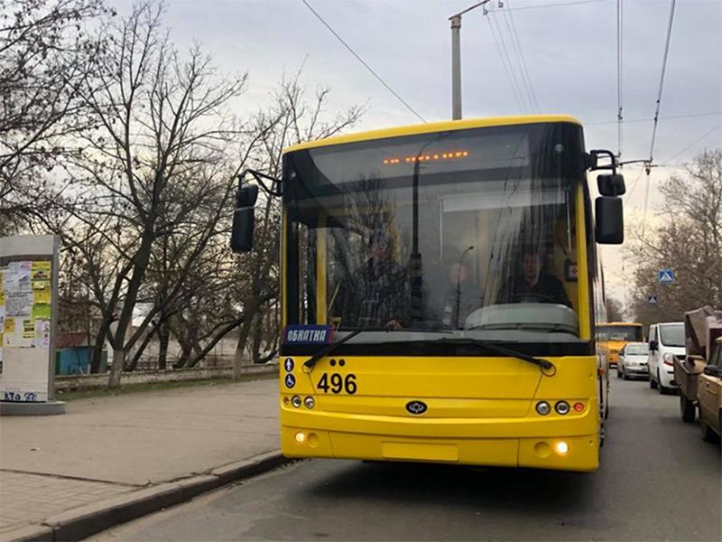 На улицы Херсона вышли новые троллейбусы