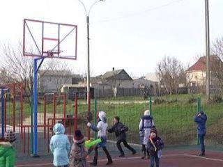 Під Херсоном відкрили новий спортивний майданчик