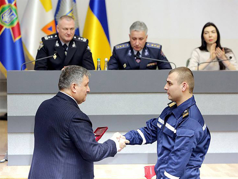 Херсонський рятувальник отримав орден «За мужність»