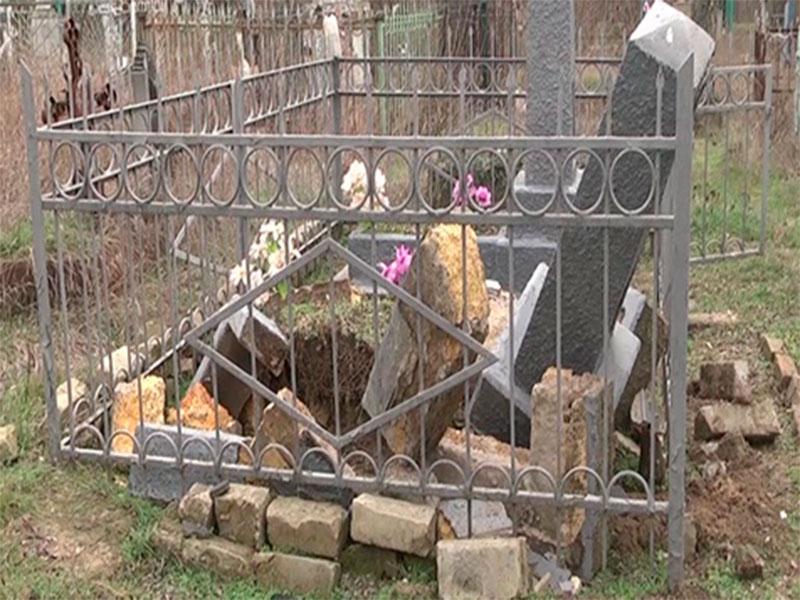 Херсонські вандали сплюндрували старовинний цвинтар
