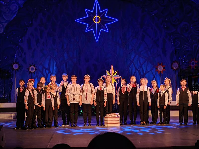 В Херсоне прошел 13-й городской христианский фестиваль детского творчества «Остров Рождества»