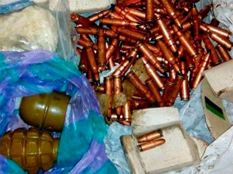 По два подпольных арсенала в день выявляют полицейские на Херсонщине