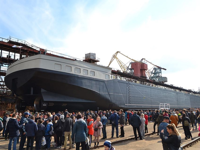 Корабелы СМГ приглашают на спуск танкера