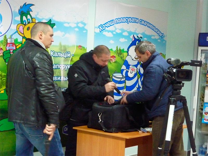 Брифингу Разумкова в Херсоне предшествовал усиленный досмотр журналистов