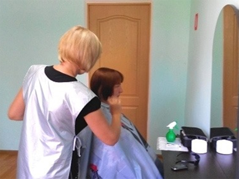 У Херсоні працює соціальна перукарня