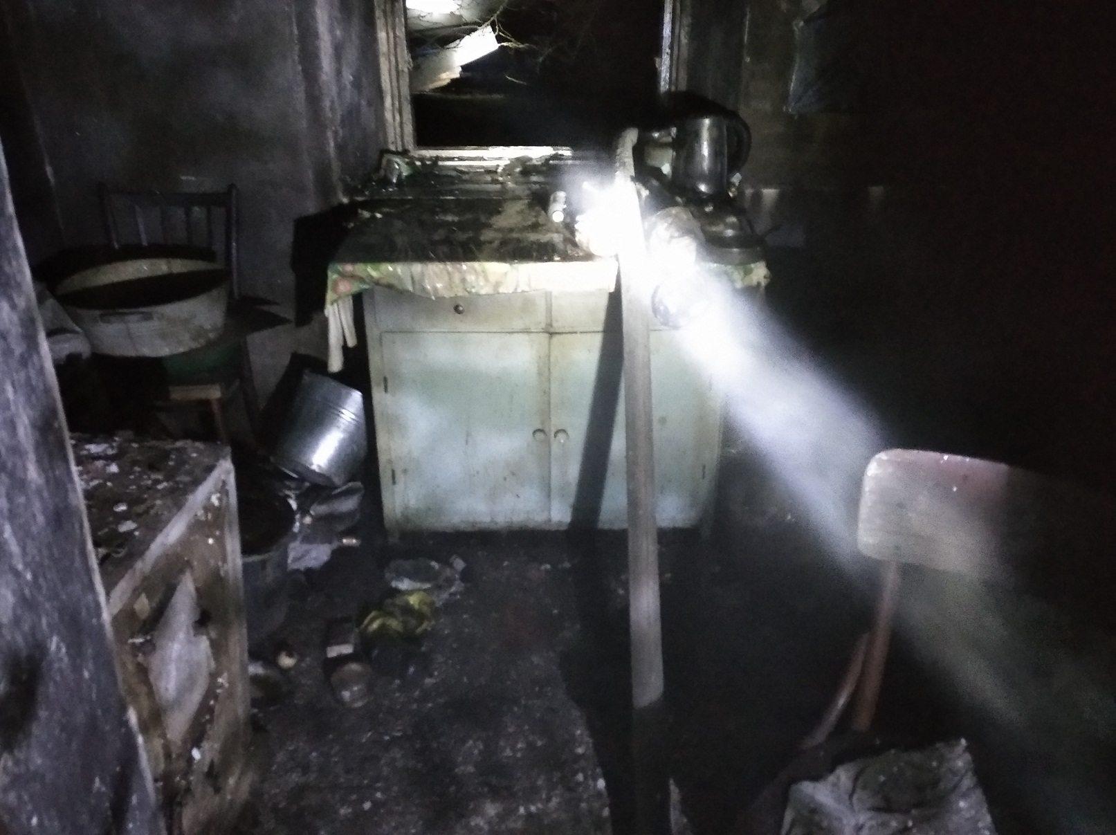 На Херсонщине горел жилой дом