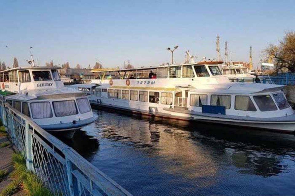 Зрив річкової навігації в Херсоні відміняється