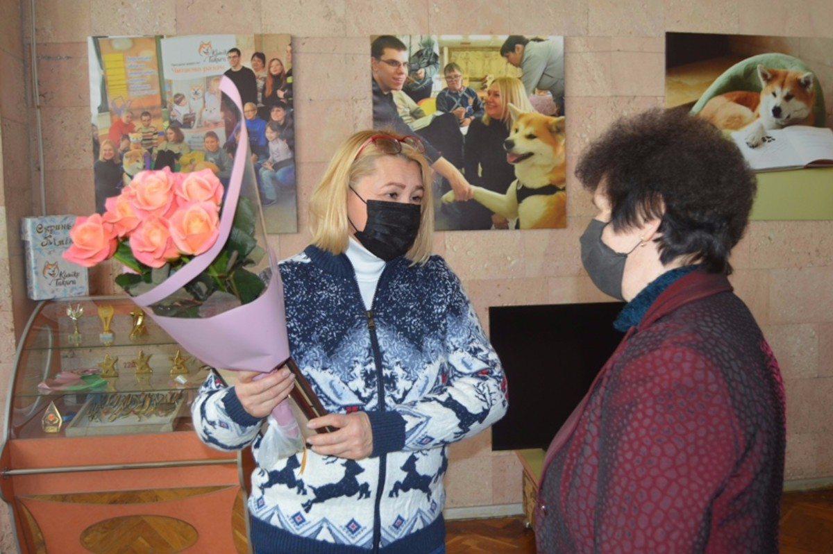 В Херсоне волонтёр-соучредитель инновационного проекта получила награду от главы ХОГА