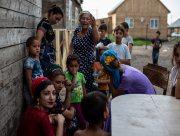 Семьи ромов с херсонской свалки отправили по домам