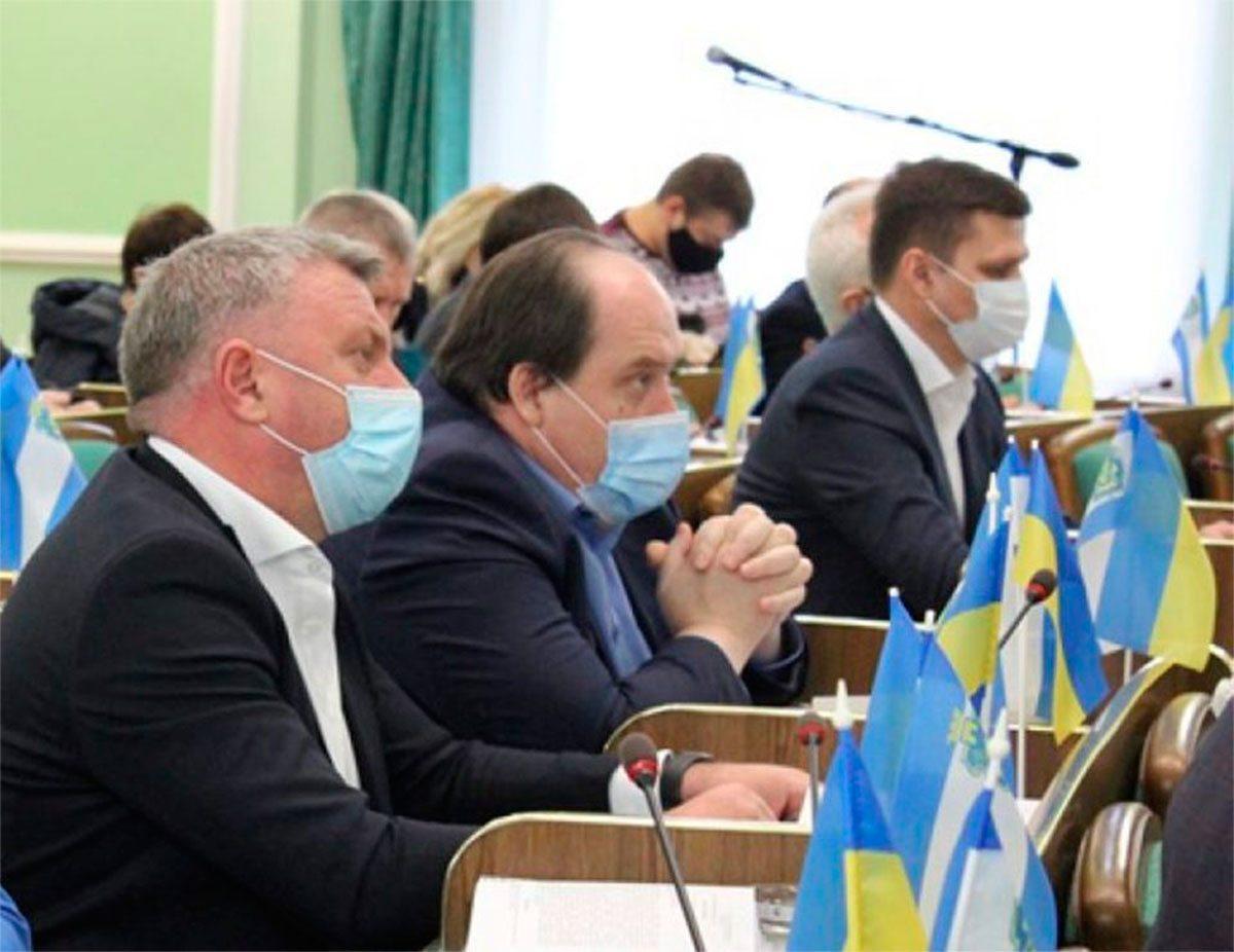 Депутати Херсонської облради наполягають на проведенні позачергової сесії