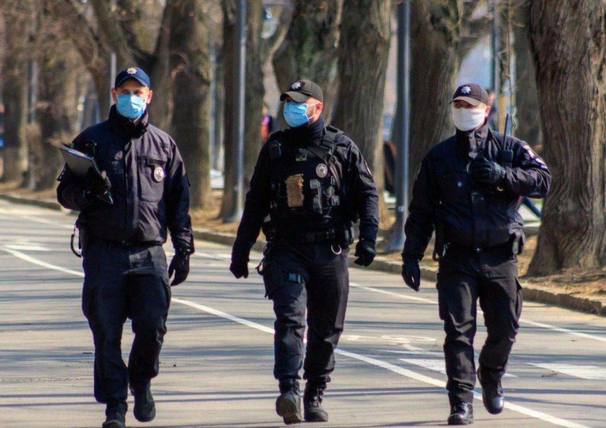 На Херсонщине за период локдауна полицейские составили почти 900 протоколов за нарушение карантина