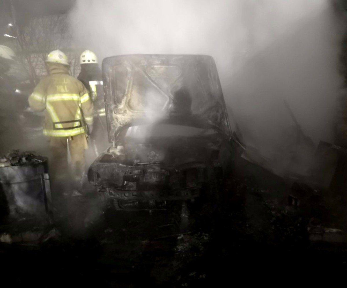 В Херсоне из-за обогревателя сгорел гараж с автомобилем внутри
