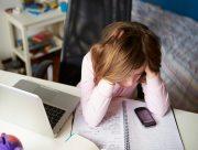 На Херсонщине одноклассницы издевались над школьницей в интернете