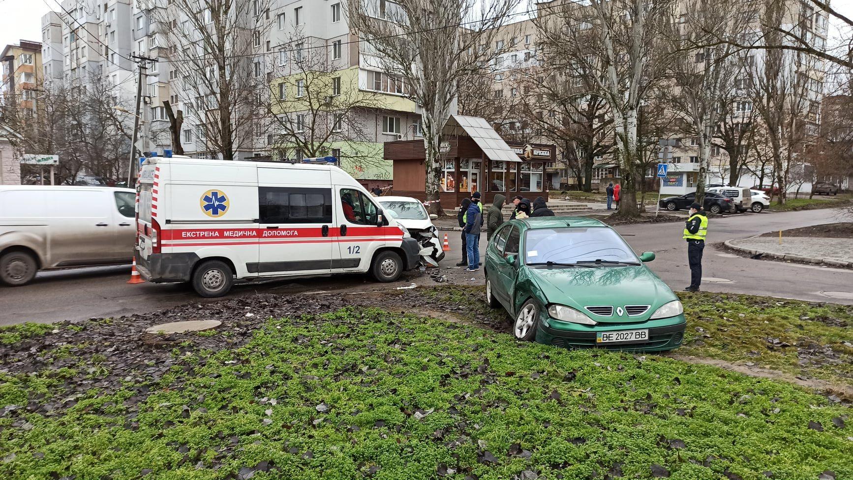 "На ""проклятом перекрёстке"" в Херсоне произошло ДТП с пострадавшими (фото)"