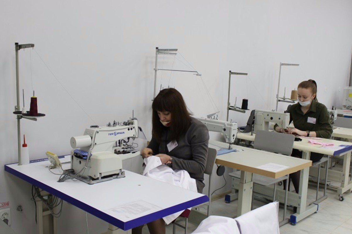 В Херсоне открыли современный центр по обучению швей