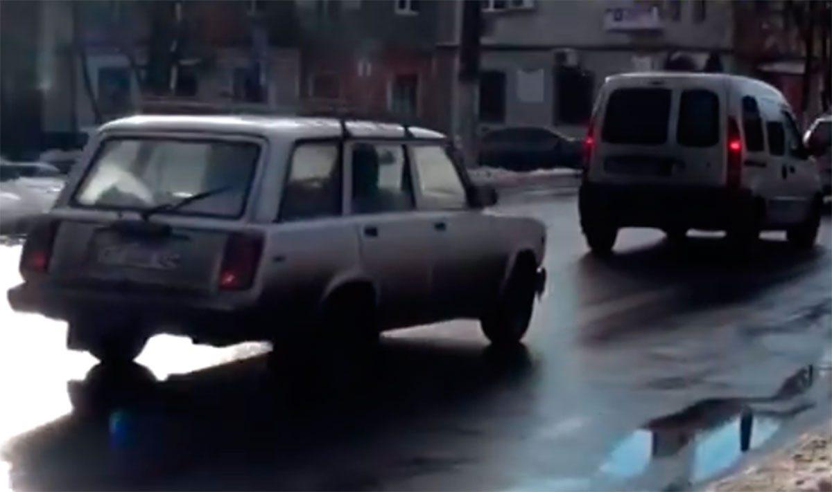 У Херсоні на дорогах ожеледиця