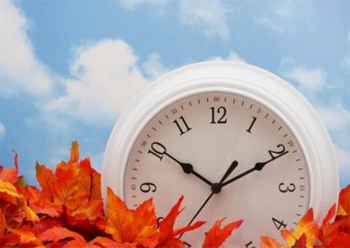 Внимание: переводим часы на зимнее время