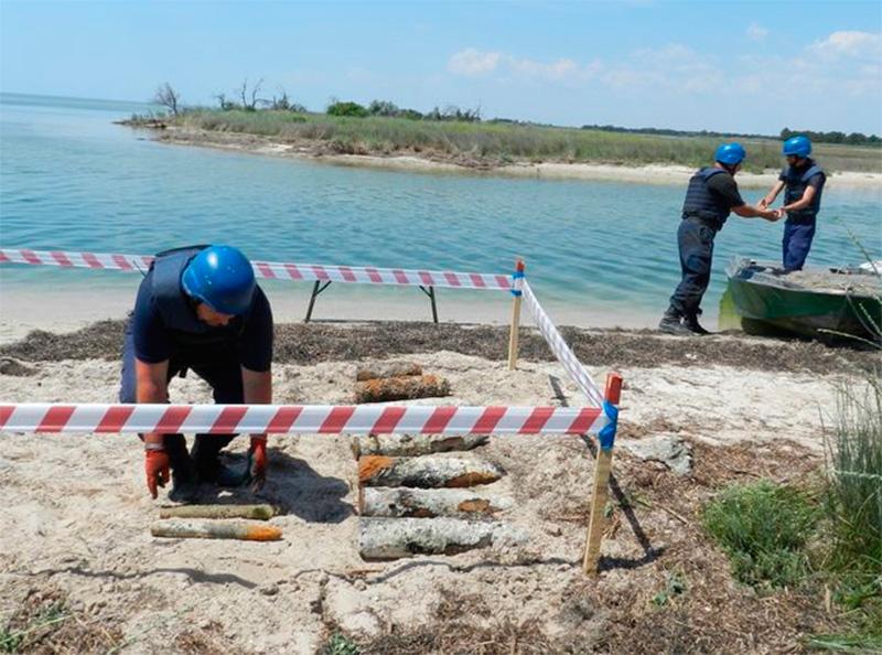 На Херсонщині знешкодили «підводний арсенал»
