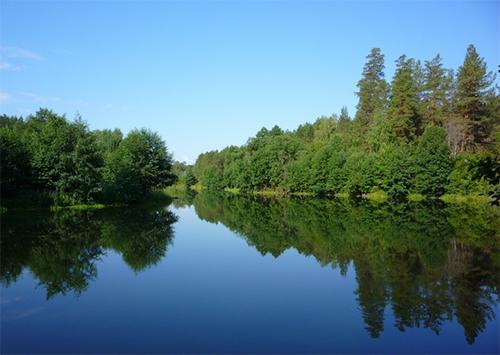 У екс-прокурорів та колишніх високопосадовців Херсонщини хочуть забрати маєтки на березі Дніпра