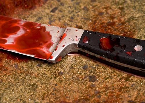 На Херсонщине несовершеннолетний ударил ножом в шею мужчину