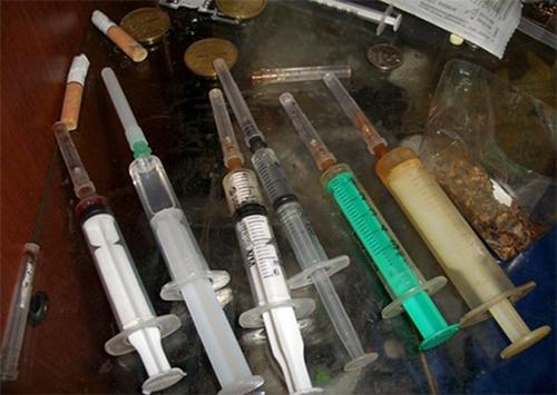 В Чаплинке работники полиции выявили наркопритон