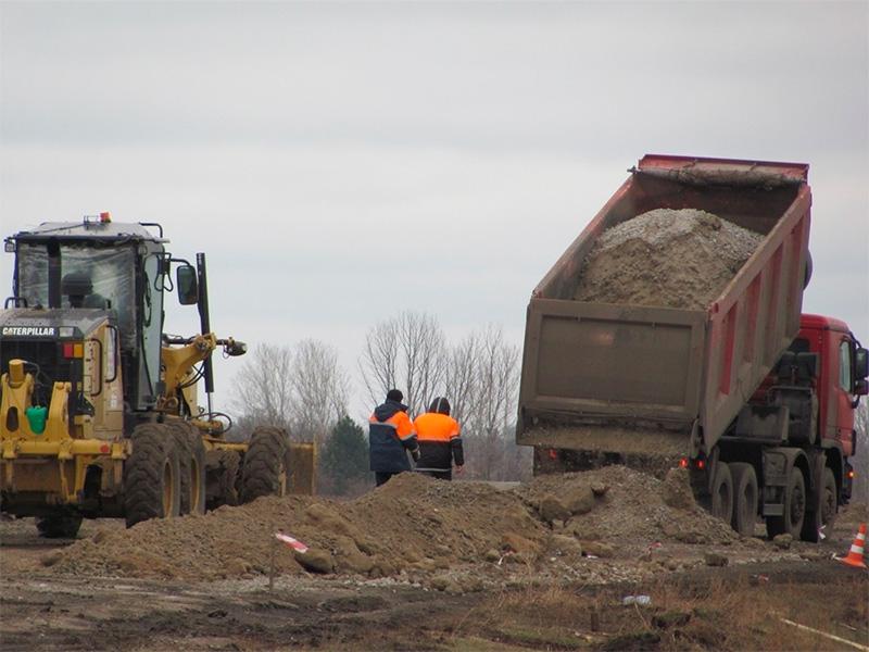 На Херсонщині дорожники ремонтують міст