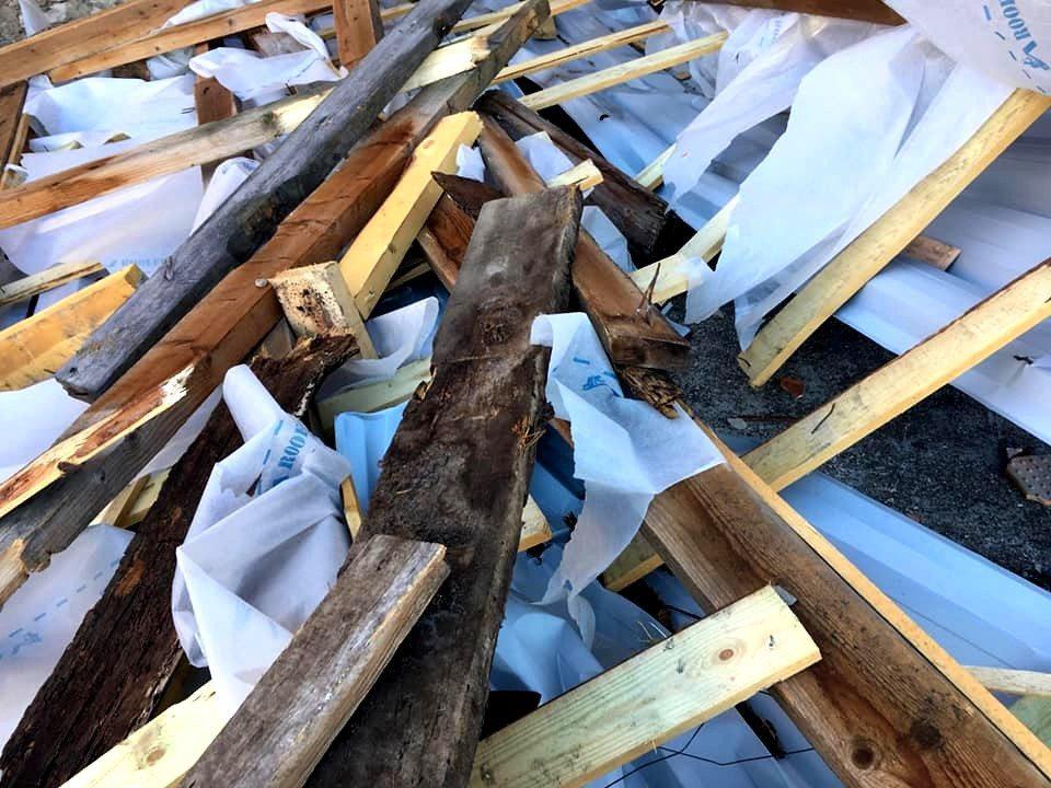 Каїри, вітер, дах, ремонт