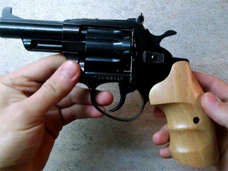 В Херсоне полиции попался вооруженный подросток