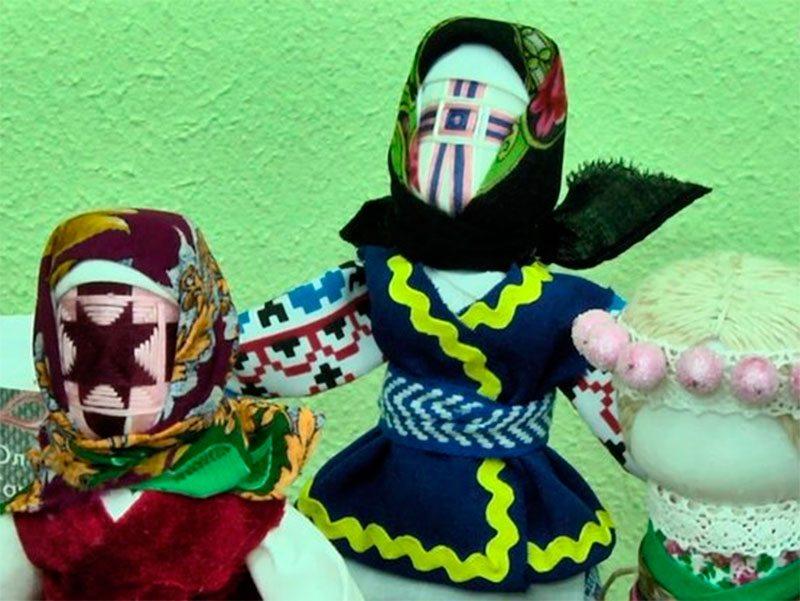 У Херсоні роблять обрядові ляльки