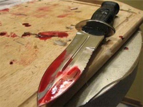 В Херсоне мужчина упал на нож