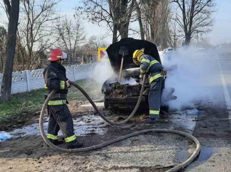 автомобиль, пожар, спасатели