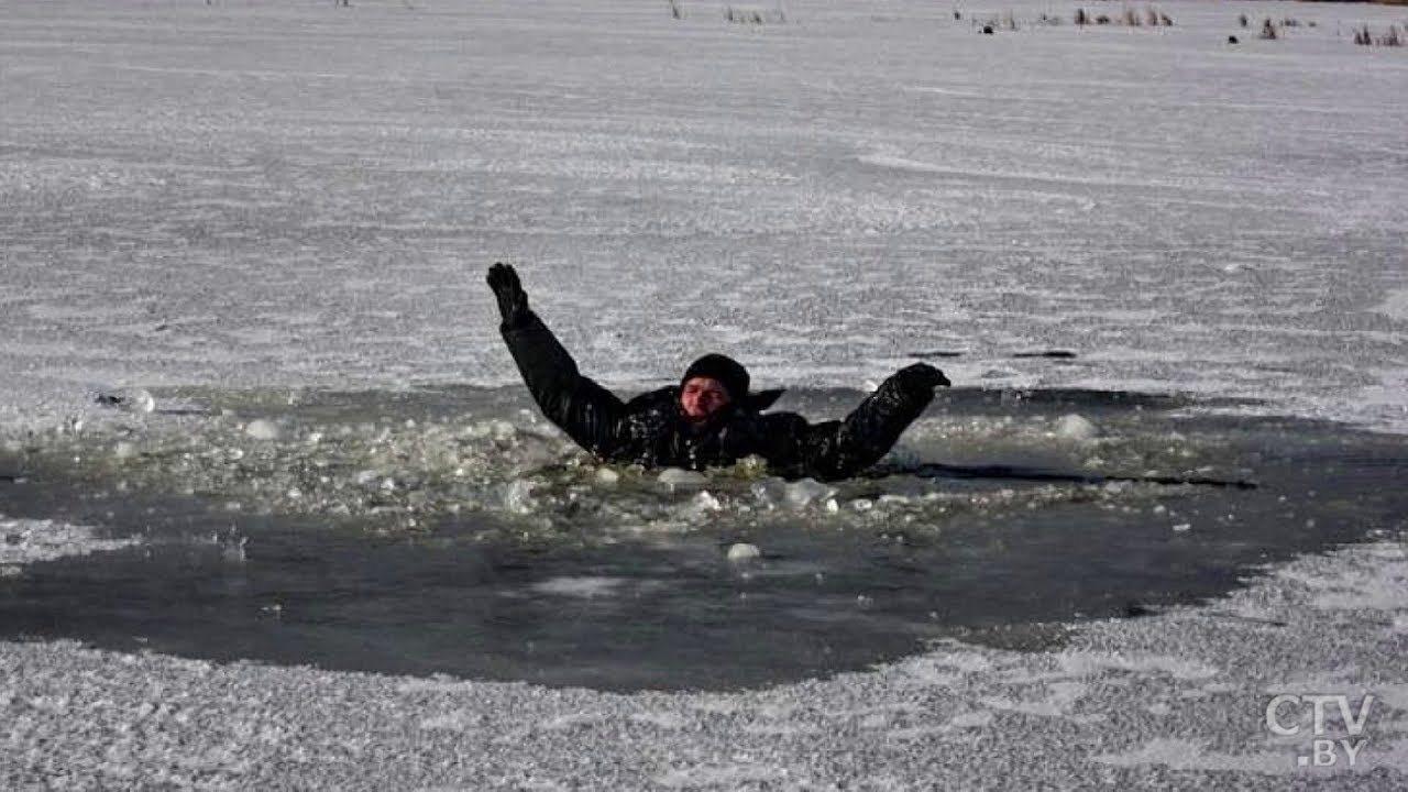 В Херсонской области при переходе реки по льду утонул 22-летний молодой человек