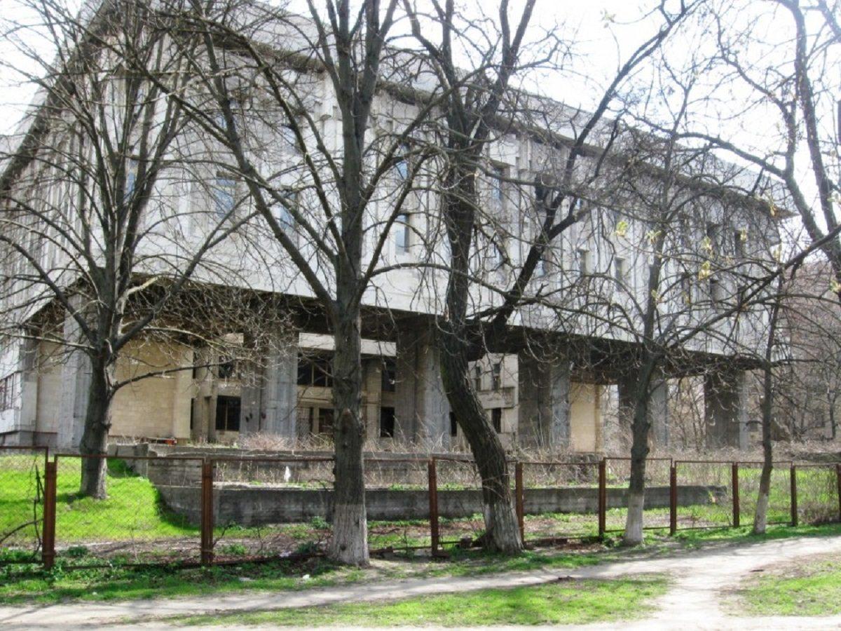 В Херсоне определились с судьбой недостроенного телецентра